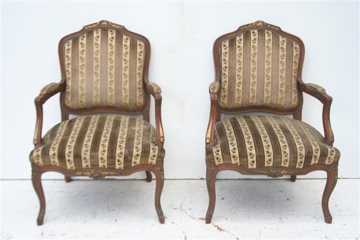 Sillones estilo sillones estilo ingles no frances garra for Sillones de estilo