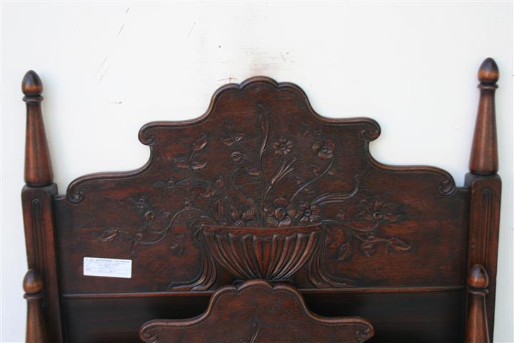 El kin antig edades muebles antiguos decoraci n - Camas de madera antiguas ...